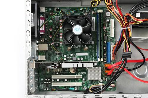 方正卓越i550台式电脑使用了航嘉提供的300w电源,冗余一个ide设备