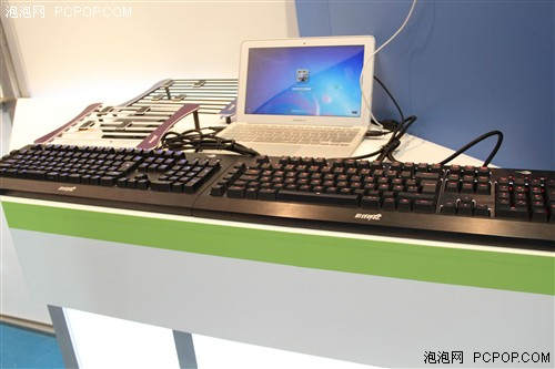 黑马产品 游戏悍将机械键盘亮相台北