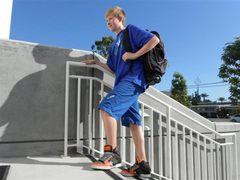 通勤上下学必备小伙伴 滑板车背包Fly