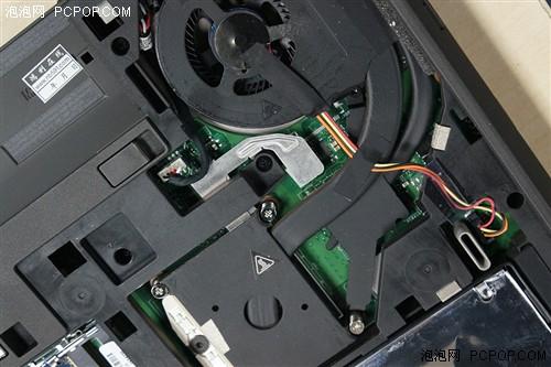 处理器、显卡各自配有一根热管用于散热(处理器为PGA封装,可更换)