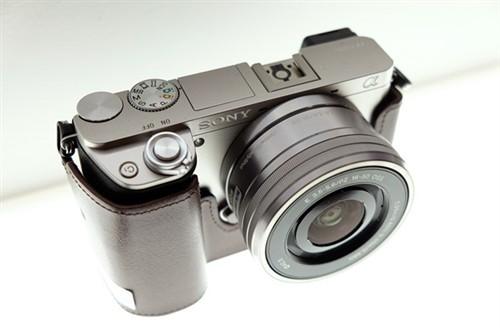 配色不错 银色款索尼A6000真机上手图