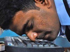 48.62秒 印度男子用鼻子打字破世界纪录