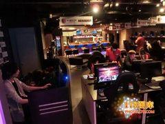 走入生活:日本奢华电竞主题酒吧掠影
