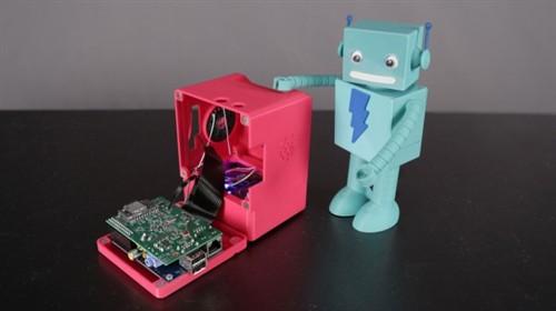 3D打印制成 袖珍麦金塔老式桌面电脑