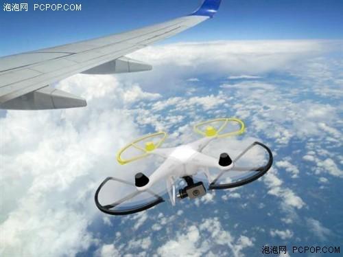 无人机靠近民航飞机