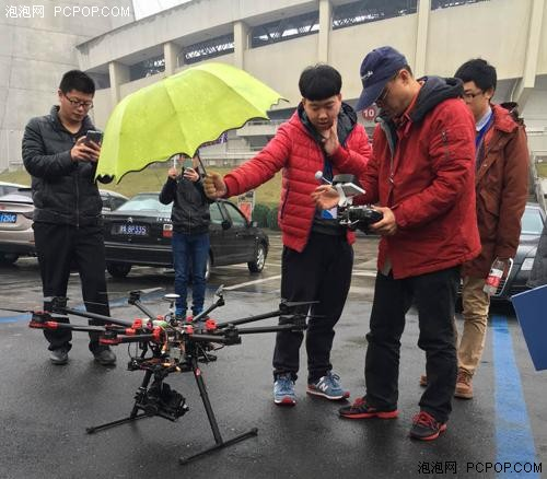 无人机行业规范不断完善 操作者须考取驾照