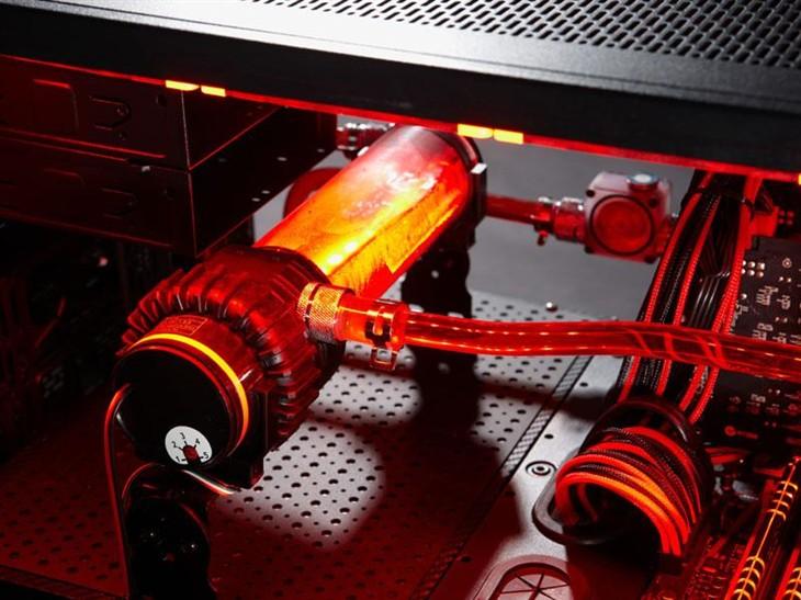 DIY玩出逼格 Tt零度水冷装备倾力打造