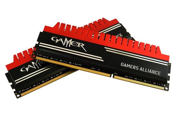 极速稳定 影驰GAMER DDR3-2400 8GB*2