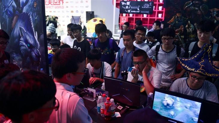 终极装备 Alienware攻占ChinaJoy粉丝群
