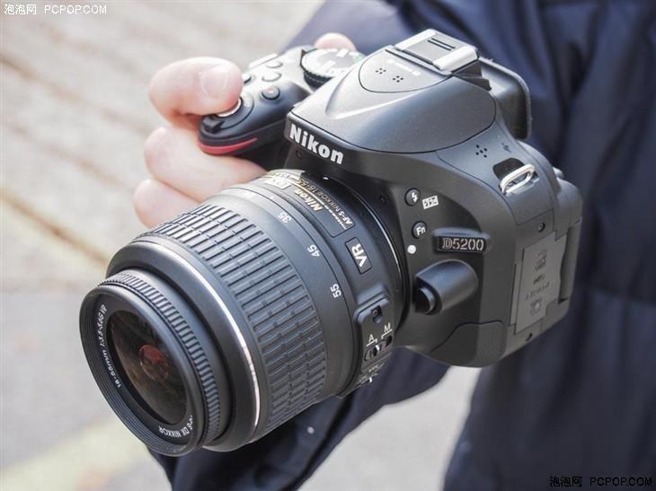 送单反相机包 尼康D5200套机售3799元