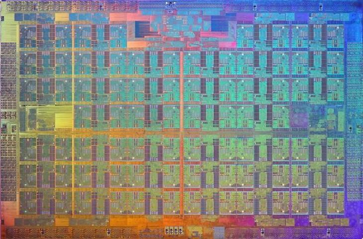 Intel发布14nm 76核心Xeon Phi处理器