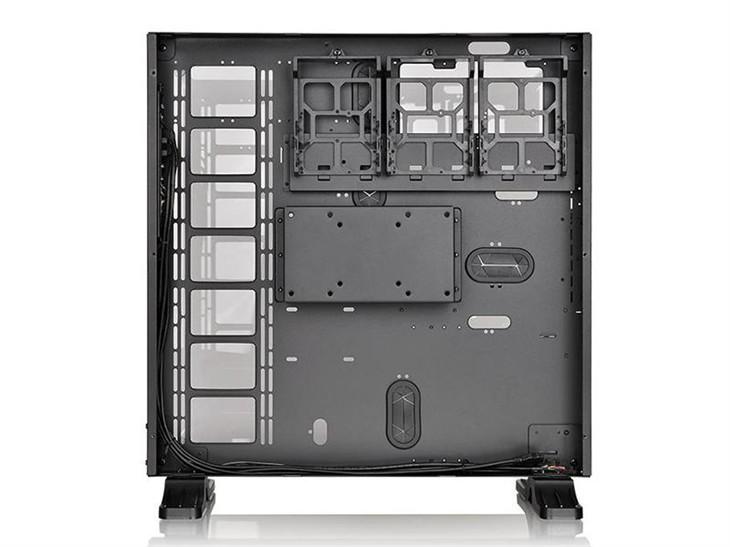 视域大战 Tt Core P5全景壁挂式水冷箱
