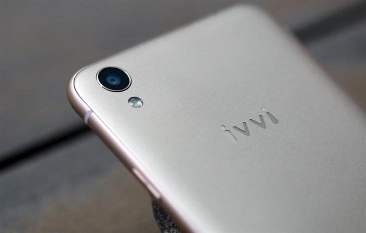 MWC看智能手机进化 小iplus逆袭有奇招
