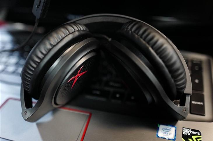 专为游戏打造 体验雷神电竞游戏耳机H30