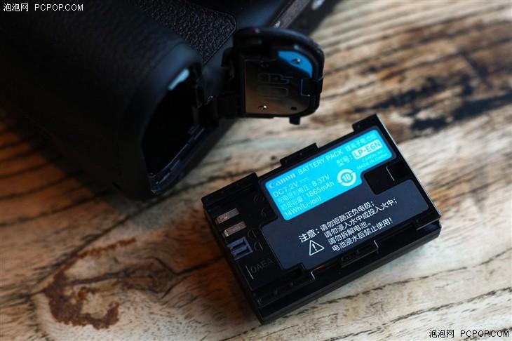 性能比肩专业级单反 佳能EOS 80D评测