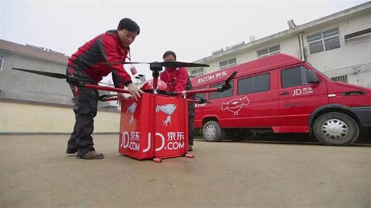 京东首曝自家无人机 目标载重30公斤飞行30公里