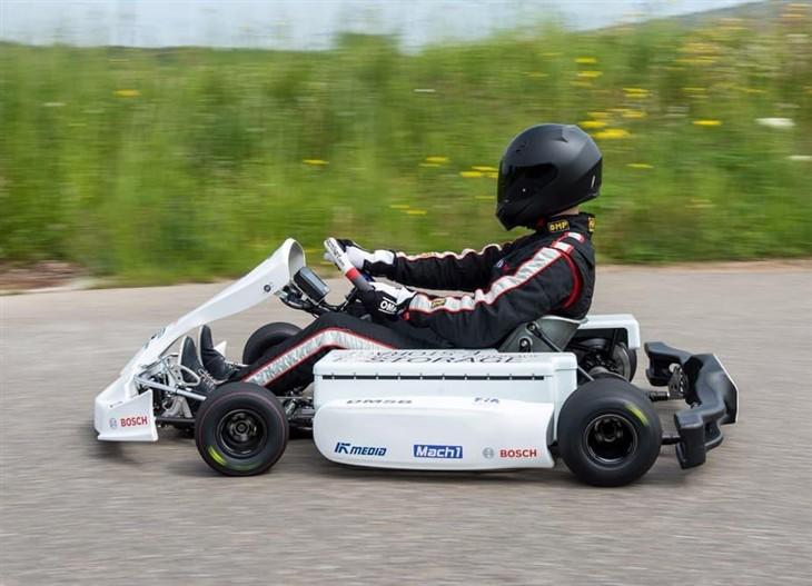 博世电动卡丁赛车 百公里加速不到5秒