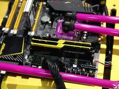 芝奇DDR4内存又疯了:4500MHz、128GB