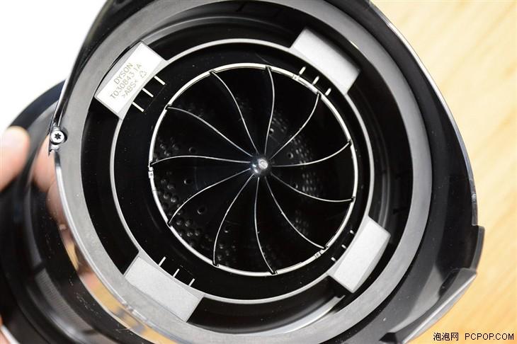 设计的叶轮,想想戴森无绳吸尘器小机身大吸力的口碑,这台无扇叶风扇的图片