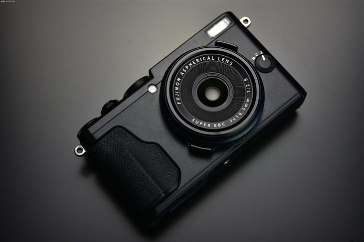 便携APS-C画幅卡片机 富士X70售4799元