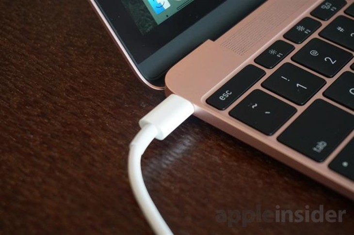MacBook 用USB-C转HDMI适配器时会闪屏