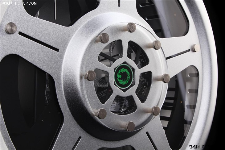 GAMEMAX旗舰!风火轮·超跑MOD机箱评测