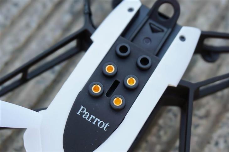 Parrot Mambo无人机体验 玩具还是武器?