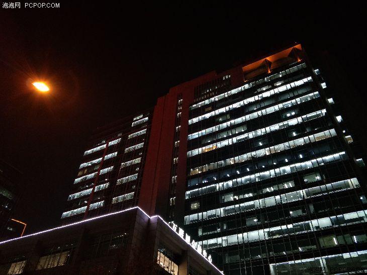 OPPO R9s Plus夜景拍照能力表现出众