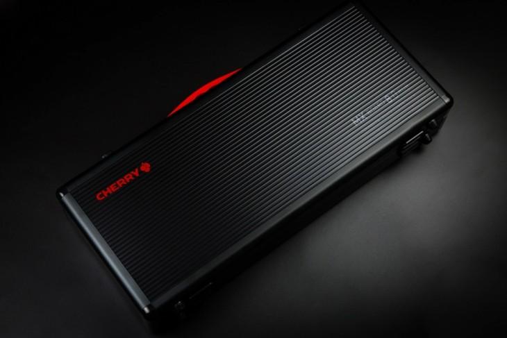 """黑""""8""""诱惑!CHERRY MX 8.0 RGB黑色侧刻版正式发售"""