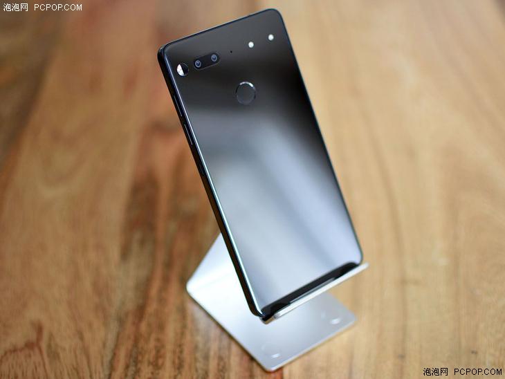吉利又尴尬的数字 Essential Phone六个月售88000台【解放军轰6绕台】