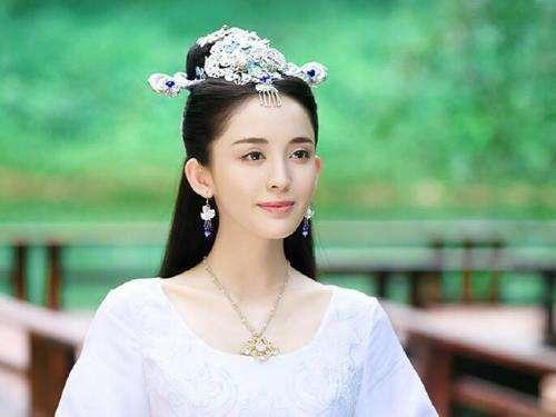 与胡歌鹿晗搭档古力娜扎今年演了7部电视剧却不火?(2范伟主演的最新电视剧图片