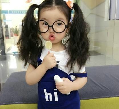 节目组的遇到了阿拉蕾的父亲当时崔雅涵与父母正在湖南旅游偶遇