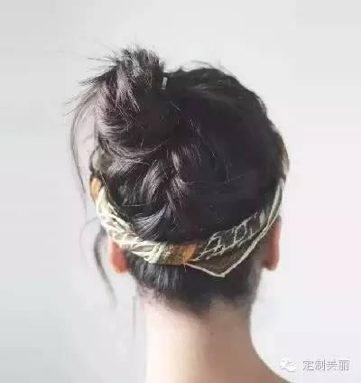 【快报】:2分钟学会打造11种发型,这个秋天你最潮!