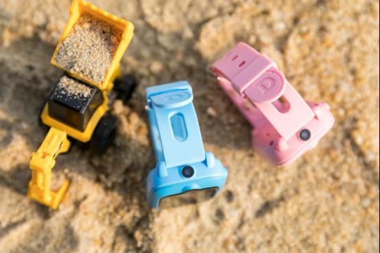 能拍照,还能视频通话?coolpad Dynobot儿童智能手表让你惊艳