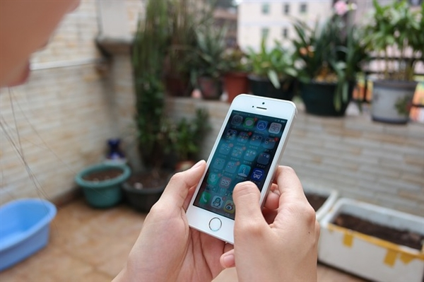 iPhone SE 2曝光:4.2寸屏/A10芯片 或6月发布
