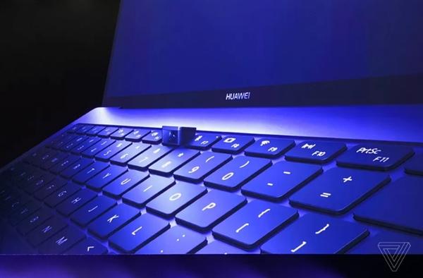 华为MateBook X Pro 13.9摄像头亮了 老外:这设计我服