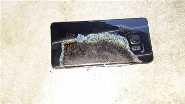 亚马逊宣布召回26万部自家充电宝:存起火爆炸风险