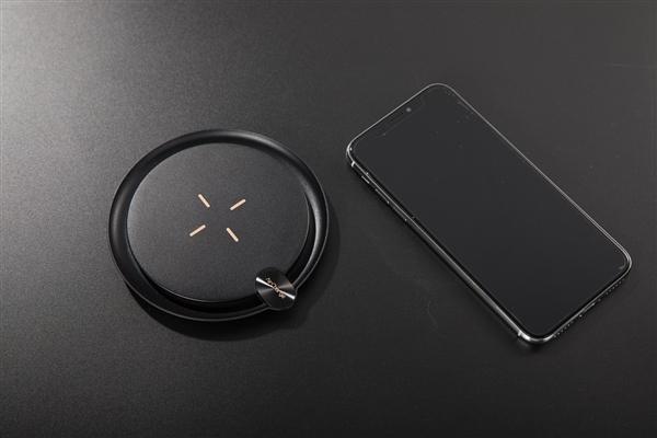 南孚全球首款超级无线充 支持所有无线充电手机