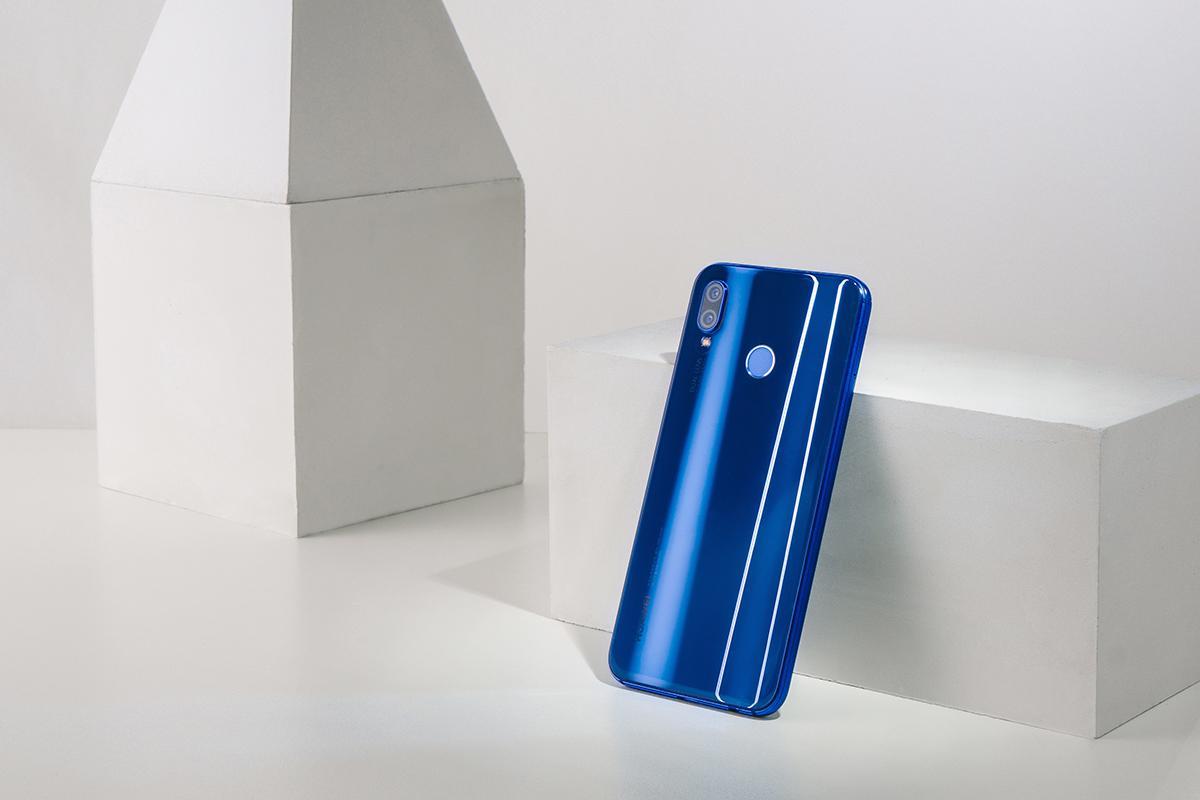 三款热门全面屏手机对比解析,华为nova 3e不止 大而全