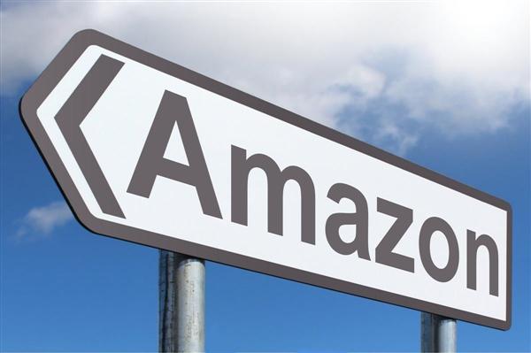美国总统游说邮政署对亚马逊公司收取双倍费用
