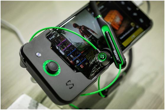 黑鲨游戏手机亮相E3大展手游玩家现场体验人气新机