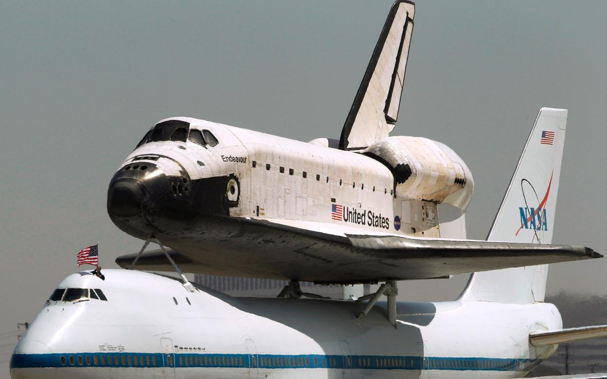 nasa拍摄奋进号航天飞机最后一次飞行