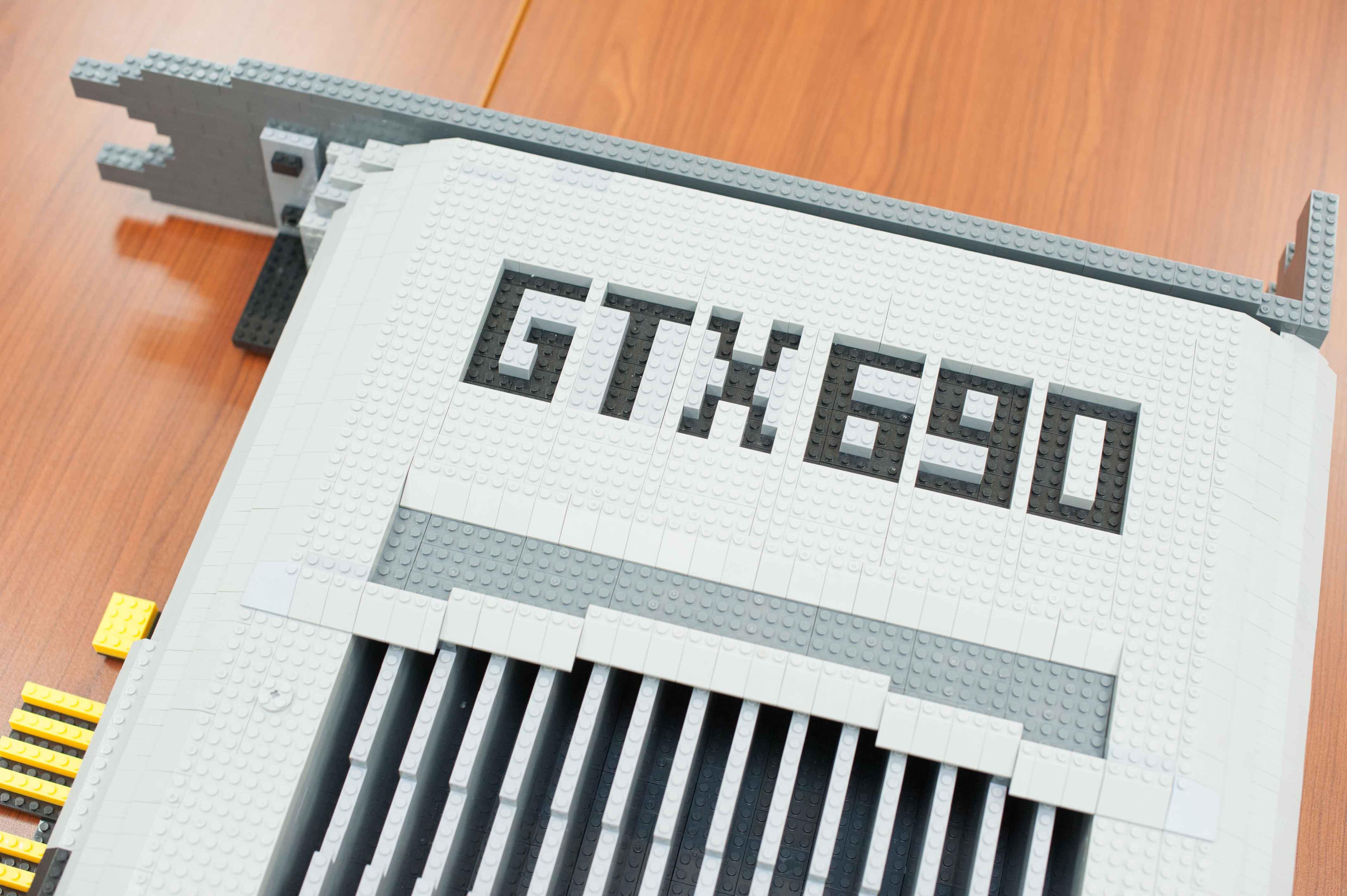 11396块乐高积木打造gtx690