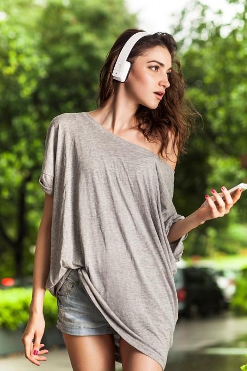 aska耳机大片 外模演绎不一样的性感