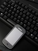 小巧时尚智能手机 三星盖世S5660图赏