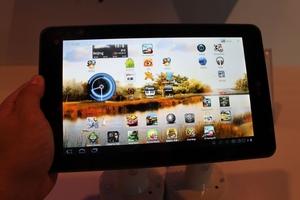 现在要玩3D摄录!LG Optimus Pad图赏