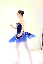 P&E 2011 宾得古典美女展现芭蕾舞姿