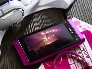诺基亚N8推粉色版 靓丽粉装官图欣赏