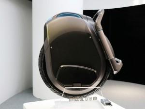 售价万元的独轮平衡车 Ninebot这款新品简直太帅