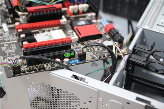 进行主板跳线设置、连接主板的USB接口、前置音频借口.-好配置爽图片